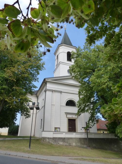 Snímek lip s břevnovským kostelíkem od Mirka Endršta.